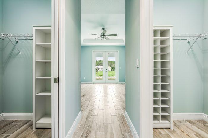 Aston Home Model Closet - Synergy Homes