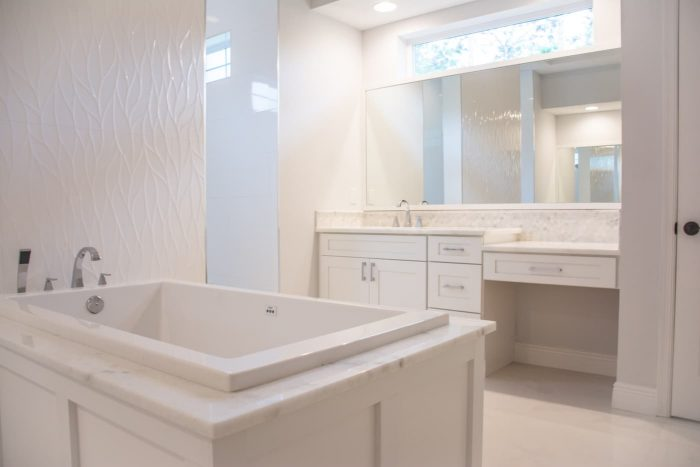 Synergy Homes Bellaire Bathroom