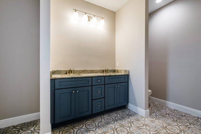 Winston Bathroom