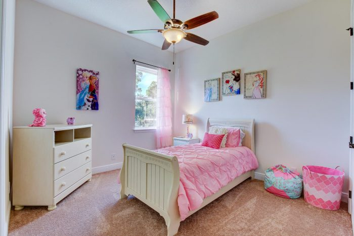 Synergy Homes Bellaire Bedroom