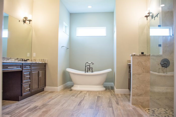 Bellaire III Home Model Master Suite Tub