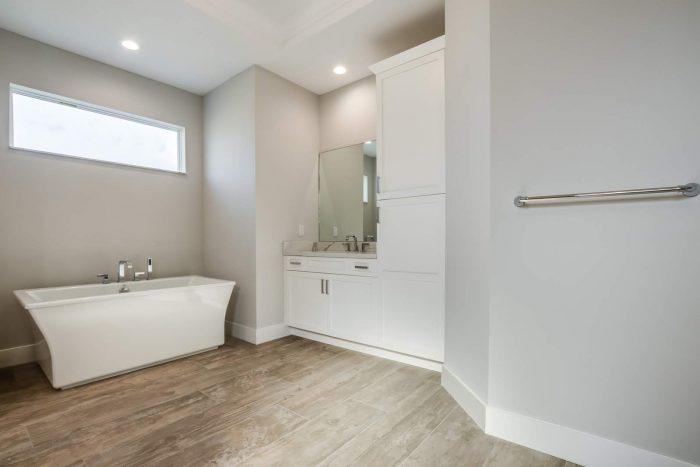 Davenport Home Model | Bathroom Freestanding Tub
