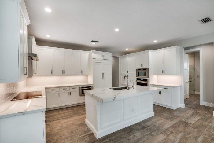 Davenport Home Model | Kitchen Island