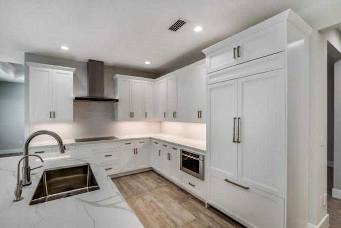 Davenport Home Model | Kitchen Side